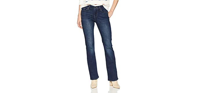 Levi's Women's Curvy - Bootcut Jeans for a Muffin Top