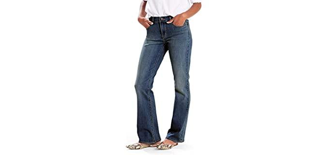 Levi's Women's Classic - Cowboy Boots Jeans
