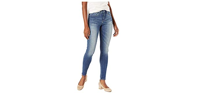 Levi Strauss & Co Women's Signature - Jeans for Curvy Petites